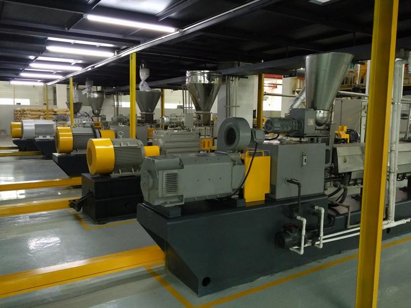 塑伯新材料生产设备